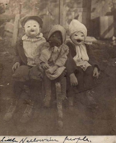 creepy_halloween_costumes_1900s_1
