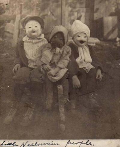 creepy_halloween_costumes_1900s_1