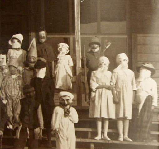 creepy_halloween_costumes_1900s_10