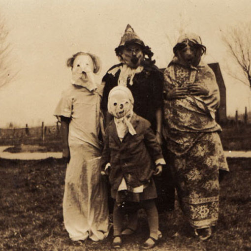 creepy_halloween_costumes_1900s_12