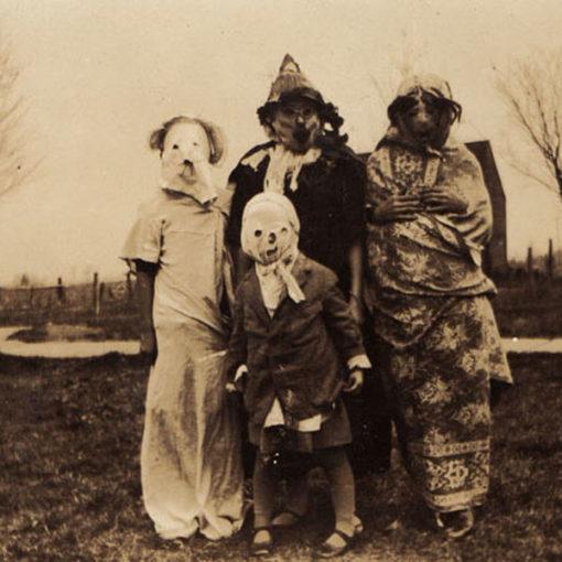 creepy_halloween_costumes_1900s_12