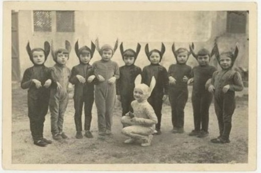 creepy_halloween_costumes_1900s_4