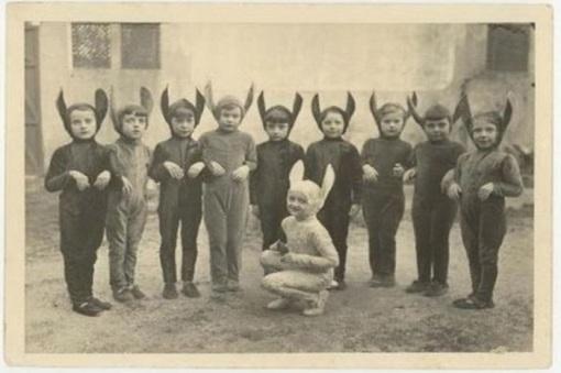 creepy_halloween_costumes_1900s_4
