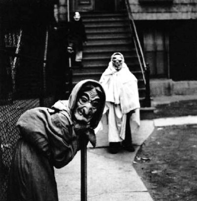 creepy_halloween_costumes_1900s_5